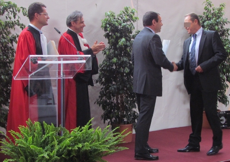 Remise d'un diplôme de détective, à l'Université Paris 2, par le Préfet de Seine et Marne et le Président de l'université Panthéon Assas